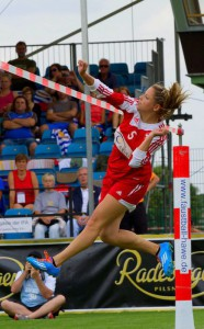 Women fistball